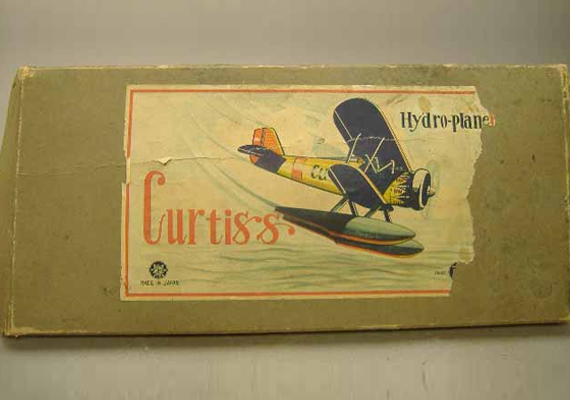 Japanese Curtiss seaplane box requiring a paper label restoration
